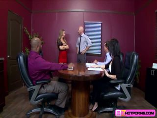 Hot nicole aniston breaks up a meeting and fucks the bos