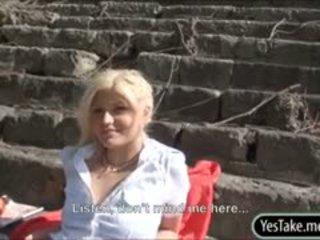Blondie séc đĩ kitty giàu fucked lược trong công khai vì tiền