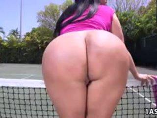 Kövér segg kiara mia gets szar nál nél egy tenisz bíróság