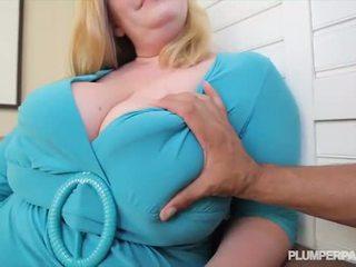 Buah dada besar wanita gemuk cantik milf tiffany blake loves gelap titit - porno video 731