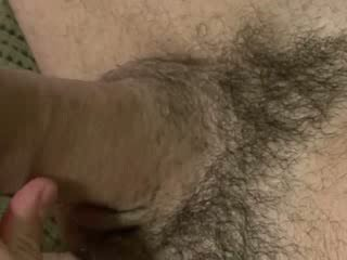 Amateur muscle pulling his thick cock