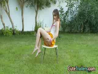 Masturbation un aptaustīšana uz the grass