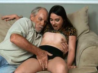 Amy faye - es did a ļoti vecs vīrietis un tētis gandrīz noķerti mums