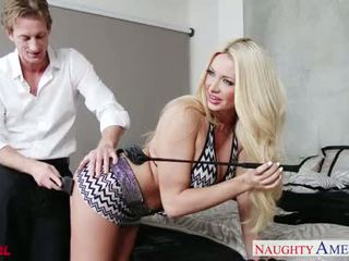 Heiß blond sommer brielle gets facialized