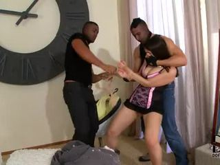 Valentina nappi gets double penetrated de two excitat burglars