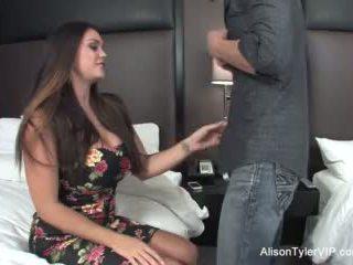 Alison tyler fucks beliau rakan