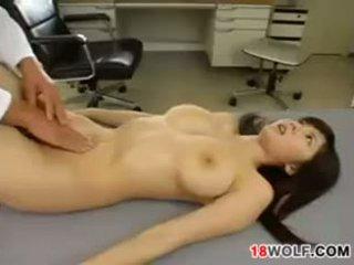 Japonské násťročné dievča gets fucked podľa a doktor