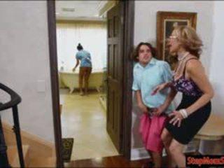 ホット メイド abby lee brazil 3いくつ とともに 巨大な パイパイ 継母