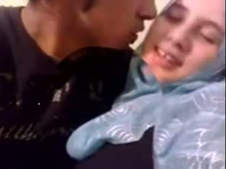Amatir dubai mesum hijab prawan fucked at home - desiscandal.xyz
