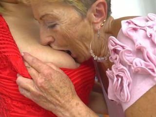 Je veľký mať a lezbické babka, zadarmo babka hd porno b9