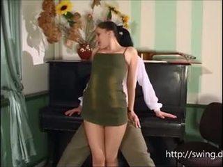 เปียโน คุณครู fucks นักเรียน