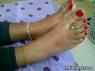 इंडियन टीन gives एक पैर काम बिंदु की व्यू