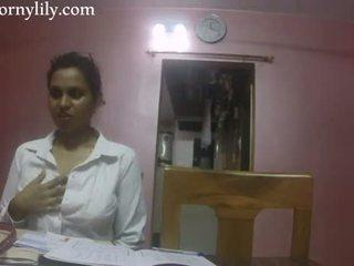 Ινδικό σεξ δάσκαλος καυλωμένος/η lily αγάπη lesson