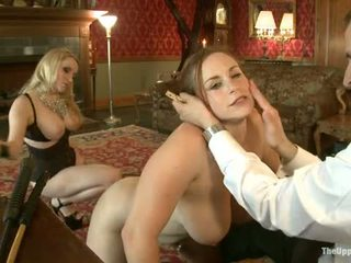 Guest jeng aiden starr comes to the upper lantai to play with house slaves