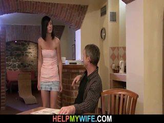 老 男人 watches 他的 妻子 性交