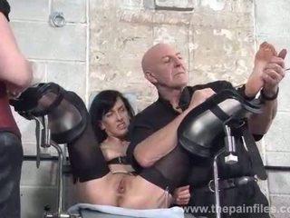 Picioare tortures de sclav elise graves în temnita bon