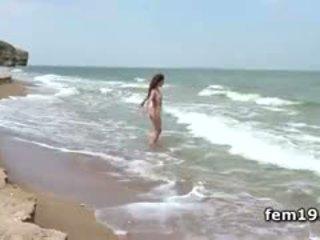 skaties brunete liels, nominālā pludmale, pornogrāfija