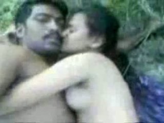 Tamil couples סקס outdoors