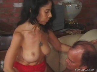 Juvenile caută milf wishes internal cream