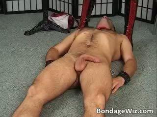 Tied guy fucks su señora estrecho mojada part1