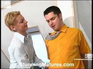 Alice und adam concupiscent mama im aktion