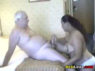 Thick इंडियन प्रॉस्टिट्यूट साथ an पुराना guy