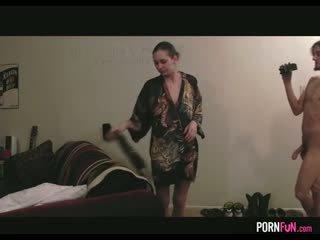 Seks / persetubuhan yang piza delivery budak lelaki