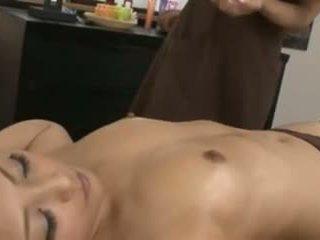 Um japonesa masseuse e dela cliente