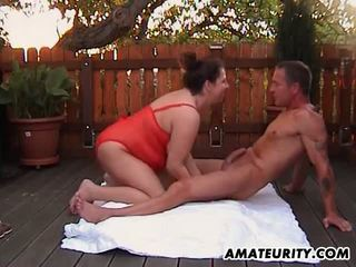 Chubby Amateur MILF Anal Fuck in the Backyard: Free Porn d2