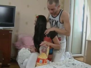 Jovem grávida kinkster blows e rides