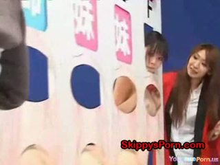 Father licks his daughter in gameshow