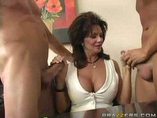 Breasty milf deauxma engulfing su 2 grande difficile boner