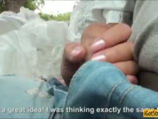 Runaway cô dâu amirah adara pounded với stranger trong một xe hơi
