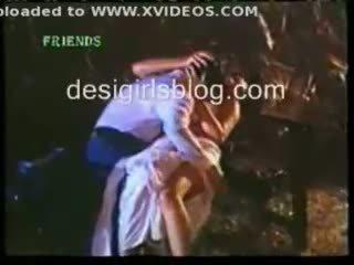 Индийски горещ секс сцени от hindi horror филм