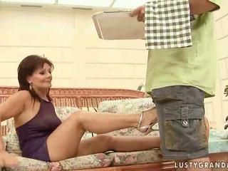 Vroče babica enjoying umazano seks