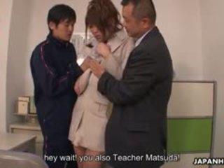 Nastolatka kutas loving yuuno hoshi jest macane przez two teachers