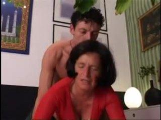 Giving babcia a dobry ciężko dicking !