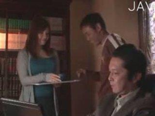वास्तविकता, जापानी, बड़े स्तन