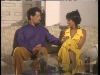 Miss d # dalam yellow pakaian