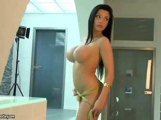 Aletta ocean показ від її сексуальна тіло