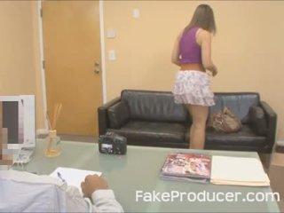 Mia golds primeiro porno sempre com o fakeproducer