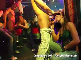 חם ו - סקסי מועדון אפרוחים having incredible ציבורי סקס