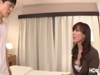 Caliente japenese reiko gets un score follando