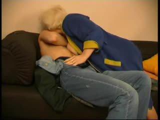 Russe mature mère et son garçon! amateur!