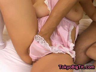 Mamalhuda japonesa bebês em quente threesom