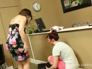 角質 seamstress licks 向上 sara jay