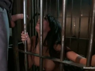 كبير busted prisoner anissa kate مقيد فوق و gangbanged