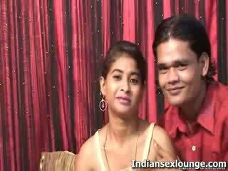 পুর্ণবয়স্ক rakesh সঙ্গে গরম সার্টের সামনে suman