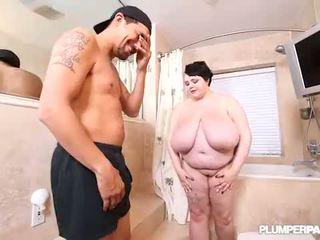Big Tit Teen BBW Peyton Thomas Showers...