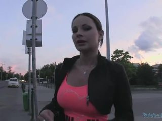 Beauty abbie gains hotovosť a gets fucked